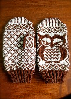I need these owl mittens!
