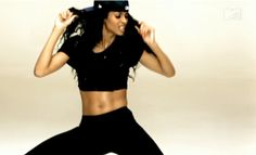 check out her abs - Ciara