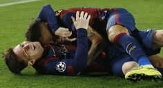 Neymar y Messi Messi Y Neymar, Lionel Messi, Good Soccer Players, Soccer Fans, Messi 2015, Barcelona Team, Argentina National Team, National Football Teams, Uefa Champions League