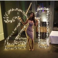 Looking gorgeous in front of our Fairy Light 21 Sign ❤️ Happy Birthday Birthday Louisa! Looking gorgeous in front of our Fairy Light 21 Sign ❤️ 21st Birthday Themes, 21st Bday Ideas, Happy Birthday Signs, Birthday Goals, 18th Birthday Party, Girl Birthday, 21 Birthday Balloons, 21 Party, Havanna Party