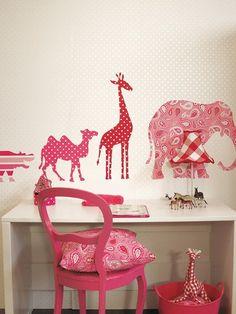 Leuke dieren muurstickers voor de meisjeskamer.
