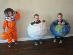 Planet Costumes from Planet Costumes from paper lanterns - clever! (Clever Diy Costume) Planet Costumes from Planet Costumes from paper lanterns - clever!
