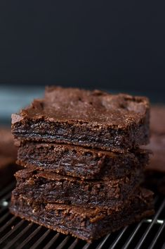 The BEST Chewy Vegan Brownies recipe ever: crisp, chewy top and edges, moist fudgy center, triple chocolate goodness. Gluten free option and easy!