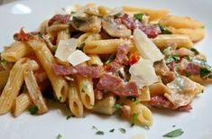 Le penne rigate al Monterosa sono un primo piatto veloce da preparare ma dal sapore che conquisterà al primo assaggio.