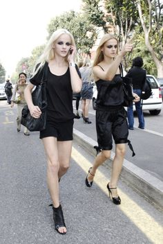 black liner/ black outfits. models do it right