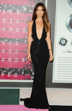 Lily Aldridge wearing Alexandra Vauthier - MTV VMAS 2015 red carpet | Video Music Awards | Harper's Bazaar