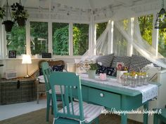 Huvimaja Willa Pusupömpeli Sunrooms, Porches, Cottage, Outdoors, Cozy, Table Decorations, The Originals, Furniture, Home Decor