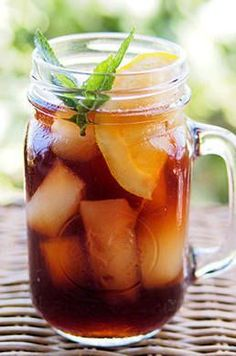 When making iced tea, you can reduce the bitterness by adding a pinch of baking soda.