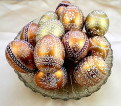 Goldene Ostereier mit Ornamenten / golden easter eggs with ornaments made by EWJANART via DaWanda.com