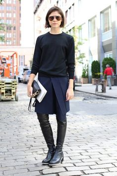 Emily Weiss, mixing black and navy like it's her job #badass
