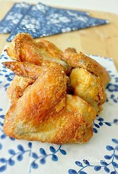 Air Fried Five-Spice Chicken Wings Air Fry Chicken Wings, Cooking Chicken Wings, Chicken Spices, Chicken Wing Recipes, Fried Chicken, Chicken Items, Bbq Chicken, Phillips Air Fryer, Cooks Air Fryer