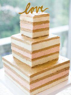 10 Naked Cakes You Have to See - Hochzeitstorte Naked Wedding Cake, Wedding Cake Photos, Beautiful Wedding Cakes, Beautiful Cakes, Amazing Cakes, Cheap Wedding Cakes, Fruit Wedding, Dream Wedding, Bolos Naked Cake