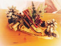 Weihnachtsdekoration mit Schlitten im Hotel Tirolerhof Sled, Christmas Decor
