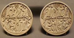 Paire de valves de miroir, scènes courtoises, musée du Louvre, premier tiers XIVe siècle, ivoire, 11.30cm/Dx1cm/Pr