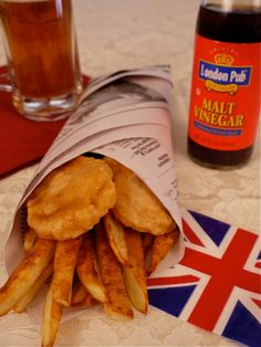 Fish and Chips Wrapped in newspaper AND with Malt Vinegar. This is vintage fish and chips. British Fish And Chips, British Pub, Fried Fish, Fish Fry, Thinking Day, Fish Recipes, Uk Recipes, Delicious Recipes, Recipies