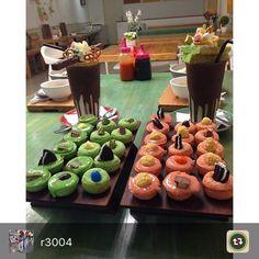 Kue Cubit oh Kue cubit ... #stickeebali #monstermilkshake #dagelan #milkshakemonster #stickee #dessert #greentea #balifoodies #balifood #inijie #freakshakes #kuliner #kulinerbali #kulinerbandung #kulinerjakarta #anakjajan #freakshakes #kuecubit #ladyironchef #ultrabali #australianmilkshake #chocolatelover #crazyshakes #thebalibible #thebaliguideline #dagelan #matcha #epicurina #kuecubitbali #dessertshake by @r3004 by stickeebali