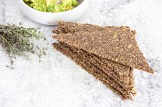 A simple yet delicious and versatile raw Rosemary and Thyme Flax Bread. Raw Rosemary and Thyme Flax Bread Rosemary and Thyme Flax Bread. Makes about 20 triangles. Plant Based Recipes, Raw Food Recipes, Snack Recipes, Healthy Recipes, Kitchen Recipes, Raw Vegan, Vegan Vegetarian, Vegan Food, Zucchini