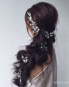 Ulyana Aster Romantic Long Bridal Wedding Hairstyles_07 ❤ See more: http://www.deerpearlflowers.com/romantic-bridal-wedding-hairstyles/2/