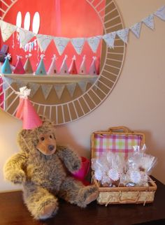 I loved the Teddy Bear Picnic growing up. Great party idea :)