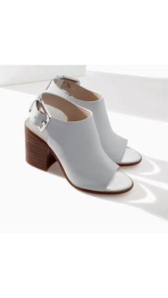 Zara block heel sandals. Want!