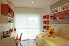 Apartamento Tendence Campo Belo II (Duplex 300 m²) / Patricia Kolanian Pasquini @kolanianpasquin #suite #quarto #nicho #papeldeparede #bedroom #kids #wall #wallpaper #red #niche #lighting #decor