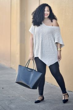 Plus Size Fsahion - 5 Ways to Style Leggings for Fall via Girl With Curves - Leather Leggings Outfit, Fall Leggings, How To Wear Leggings, Faux Leather Leggings, Leggings Fashion, Leggings Style, Curvy Outfits, Fall Outfits, Fashion Outfits