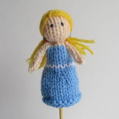 Ravelry: Goldilocks Finger Puppet pattern by Amanda Berry - free knitting pattern as download