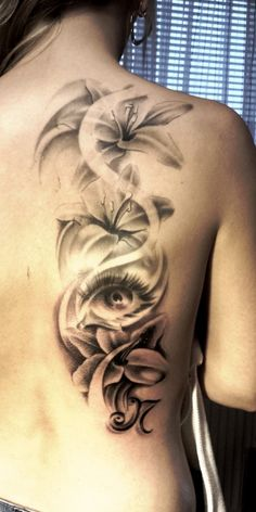 "Tat-Frank: blumen blumen Tattoo: ""Tat-Frank: Blumen Blumen"" with rating and helpful comments. Watch tattoo now Shoulder Tattoos For Women, Sleeve Tattoos For Women, Tattoo Now, Back Tattoo, Tiny Tattoo, Side Tattoos, Body Art Tattoos, Unique Tattoos, Beautiful Tattoos"
