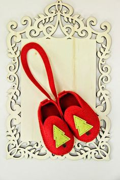 paperyrey ink booties | Baby Bootie Ornament by Erin Lincoln for Papertrey Ink (September 2014 ...
