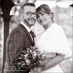 A Supadupa!! couple !! In the lovely #belperrivergardens #fieldphotographicportraits #merv_spencer #groom #bride #wedding   From Field Photographic Portrait Studio   http://ift.tt/20TBije