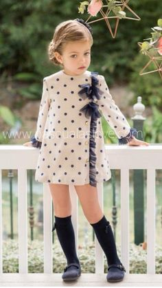 Mode für Kleinkinder Mädchen ID: 1929891077 … – Лучшие идеи одежды Toddler Girl Outfits, Baby Outfits, Little Girl Dresses, Toddler Fashion, Toddler Dress, Fashion Kids, Kids Outfits, Girls Dresses, School Outfits