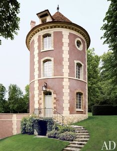 Striking ExteThe former dovecote, or pigeonnier, at Château de Wideville, the French estate of Valentino Garavani, has been transformed into a Chinese-themed retreat.unuriors to Inspire Your Next Remodel Photos | Architectural Digest