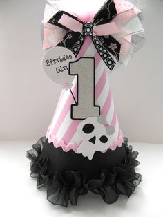Pirate Princess Birthday Party Hat- Personalized - Pirate Party. $15.50, via Etsy.  Center pieces