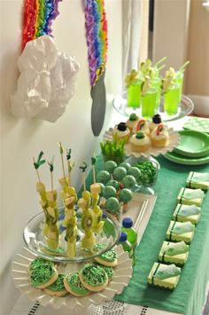 Saint Patrick's Party Food Ideas. Credits St Patrick S Day Free Party Printables Bird S Party St Patrick