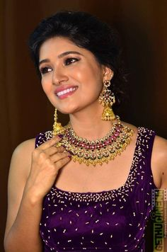 Vani Bhojan smile good looking Tv Serial Actress Vani Bhojan latest Photo Shoot Collection Beautiful Girl Indian, Most Beautiful Indian Actress, Beautiful Saree, Beautiful Actresses, Beautiful Women, Actress Priya, Hindi Actress, Bollywood Actress, Indian Actress Images