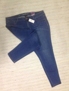 LANE BRYANT SKINNY MEDIUM WASH Sz 22 SUPR STRETCH JEANS ACTUAL 42X31 NEW! A10…