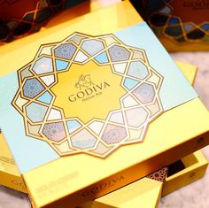 Celebrate Eid with a visit to the Godiva Chocolate Cafe at @Harrods & pick up a box from our luxury Ramadan collection