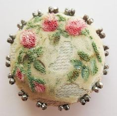 Embroidery Vintage vintage fabric button - My best vintage button from my Great Aunt. Worn but beautiful. Vintage Embroidery, Vintage Sewing, Upcycled Vintage, Button Cards, Button Button, Passementerie, Sewing Notions, Vintage Buttons, Covered Buttons