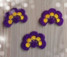This Pin was discovered by Wi Crochet Borders, Crochet Motif, Crochet Flowers, Crochet Lace, Felt Crafts, Diy And Crafts, Crochet Beaded Necklace, Knitting Patterns, Crochet Patterns