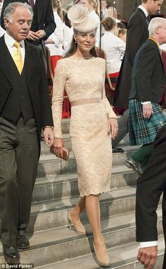 Look total de Kate Middleton no ultimo dia das comemoracoes ao Jubileu da Rainha.