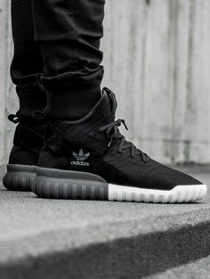 adidas Originals Tubular X Sneakers Mode, Sneakers Fashion, Shoes Sneakers, Hype Shoes, Fitness Style, Adidas Shoes, Addidas Shoes Mens, Adidas Nmds, Men S Shoes