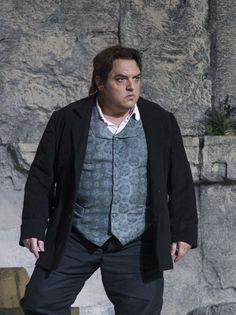Francesco Anile as Turiddu in Cavalleria Rusticana (tenor).
