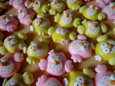 Imã de geladeira de corujinha , faço cores variadas , consulte ! <br>ideal para lembrancinha de maternidade , chá de bebê, aniversário .