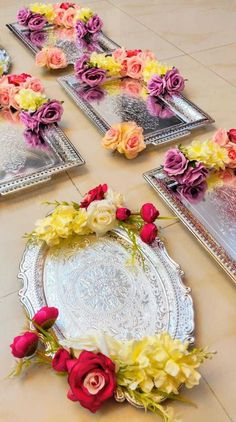 Indian Wedding Gifts, Creative Wedding Gifts, Desi Wedding Decor, Wedding Crafts, Diy Wedding Decorations, Bridal Gift Wrapping Ideas, Wedding Gift Baskets, Wedding Gift Boxes, Creative Gift Wrapping