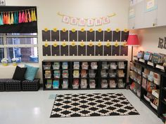 Read, Run, Teach: 2015-16 Classroom Reveal!! Library corner