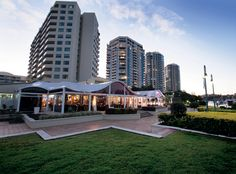 Located on the Dockside Marina, The Landing at Dockside is one of Brisbane's most impressive riverside wedding venues. Combining spectacular, atmospheric views with newly- renovated reception rooms and elegant food choices, it's well worth a look for an unforgettable celebration.   44 Ferry St, Kangaroo Point, landingatdockside.com.au