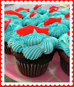 vintage2glam: Party Cupcakes......that look like fish swimming in the sea!