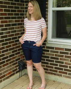 I've got a new post up on my blog about my 4th of July outfit (better late than never?!) I've already talked about both of these patterns before but this was my first time using the Cone Mills S-gene denim and my first time sewing with tencel jersey. You can read more in my blog, but I'm pretty much in love with both! My #morganjeans shorts are made from fabric from @threadbarefabrics and my #larktee is made from fabric from @shoplamercerie. #closetcasepatterns…