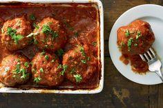 Turkse gehaktballen in tomatensaus - Recept - Allerhande
