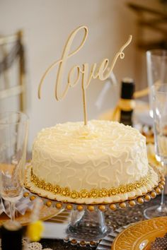 Engagement party ideas - photo by Lauren Rae Photography - www.theperfectpalette.com - Styled by The Perfect Palette - cake topper by BetterOffWed